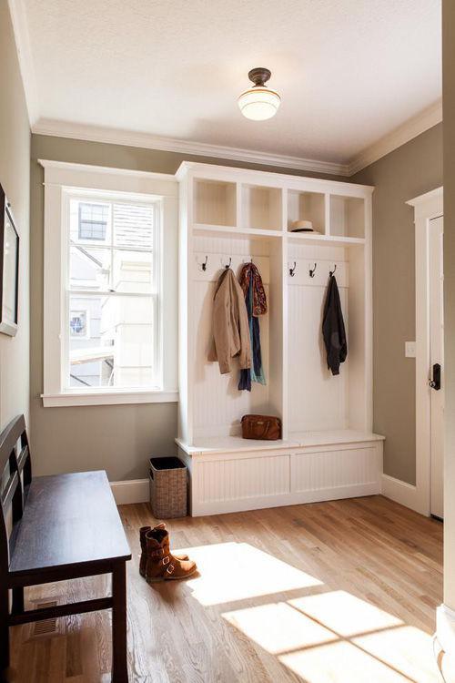 卧室太小没有衣柜怎么办 多功能的玄关柜衣帽间装修案例