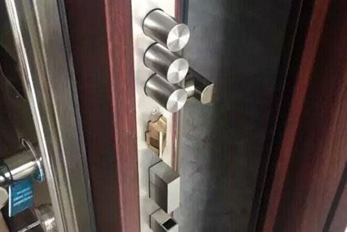 如何挑选防盗门