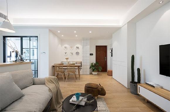 简约风格装修温馨舒适,客厅不买沙发,定做沙发连吧台真实用!